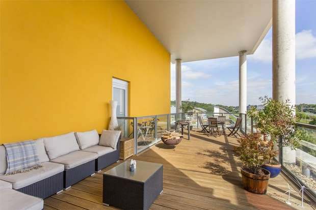 2 Bedrooms Flat for sale in Kinnear Apartments, New River Village, Hornsey, N8