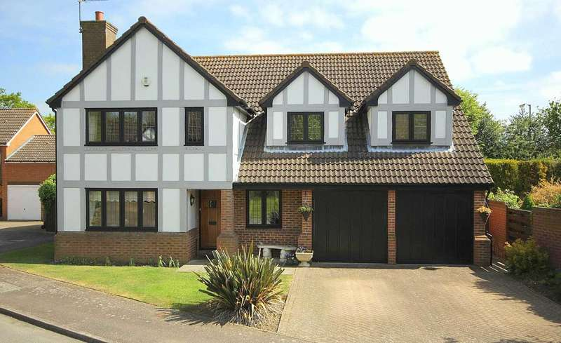 5 Bedrooms Detached House for sale in 5 BED DETACHED EXECUTIVE HOME IN The Copse, Fields End, HP1