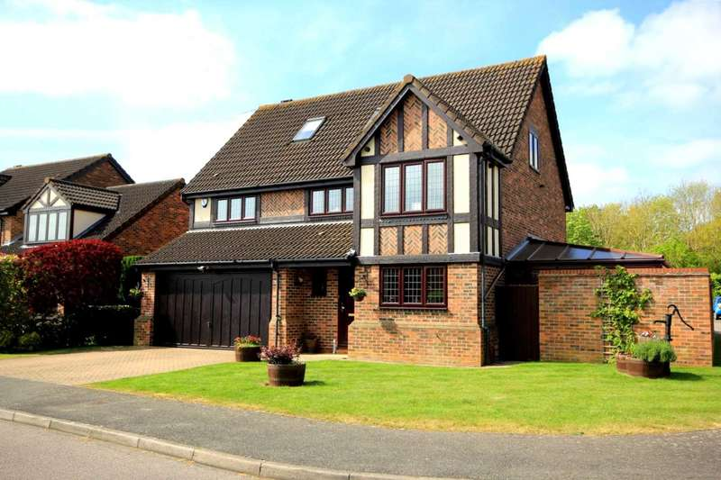 5 Bedrooms Detached House for sale in 5 BEDROOM DETACHED IN SOUGHT AFTER DEVELOPMENT, HP1