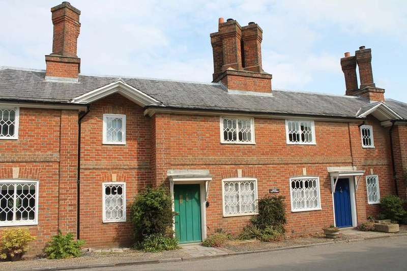 2 Bedrooms Terraced House for sale in Hook Cottages, Hook, Warsash SO31