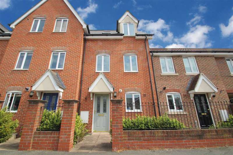 3 Bedrooms Town House for sale in Howard Street, Ipswich