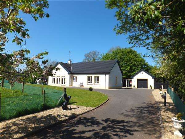 3 Bedrooms Bungalow for sale in 324A Loughshore Road