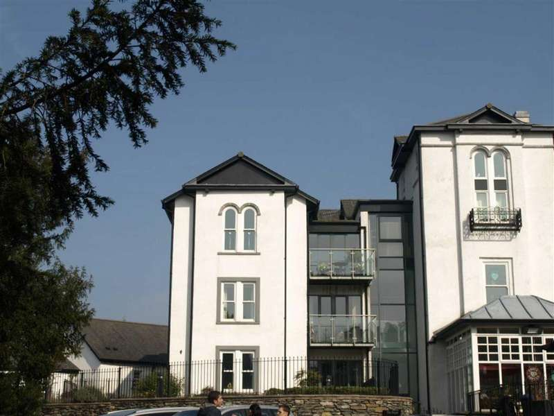 2 Bedrooms Apartment Flat for sale in The Royal, Church Street, Bowness-on-Windermere