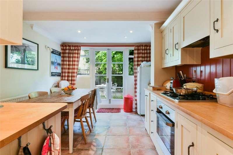 2 Bedrooms Flat for sale in Bramfield Road, London, SW11