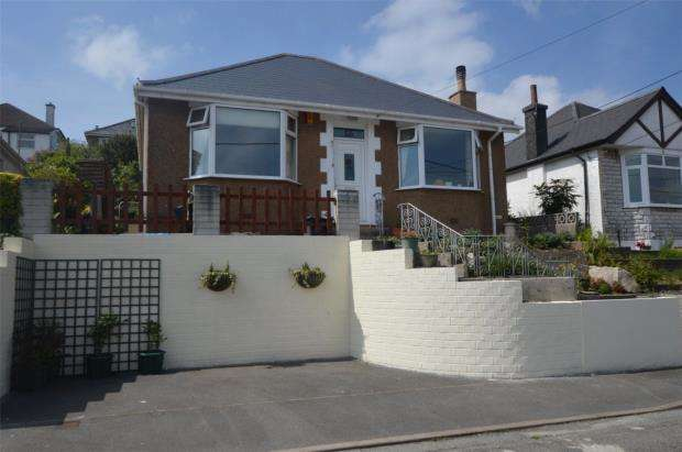 2 Bedrooms Detached Bungalow for sale in Hillside Avenue, Saltash
