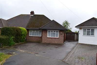 2 Bedrooms Semi Detached Bungalow for sale in Wynchgate, Harrow Weald