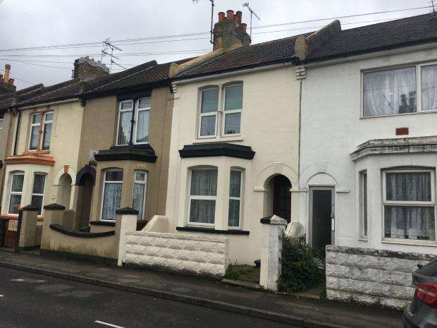 3 Bedrooms Terraced House for sale in Livingstone Road, Gillingham, ME7