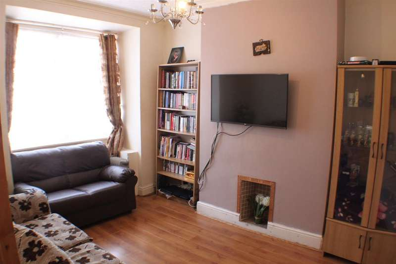 2 Bedrooms Property for sale in Irlam Avenue, Eccles, Manchester