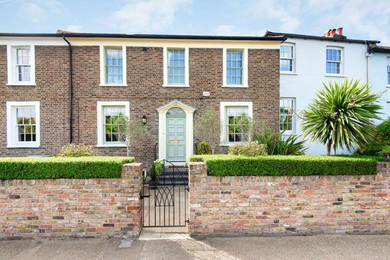 4 Bedrooms House for sale in Petersham Road, near Ham Common