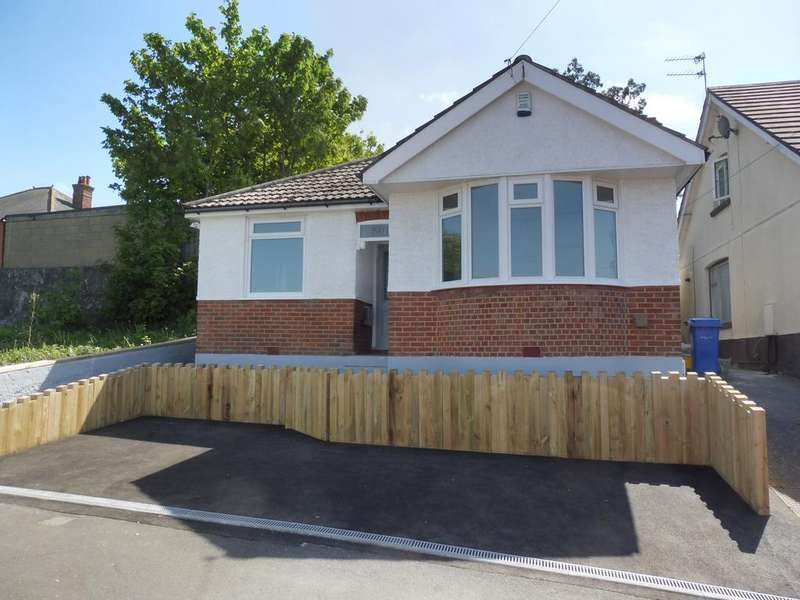 3 Bedrooms Detached Bungalow for sale in Livingstone Road, Parkstone, Parkstone, Poole BH12