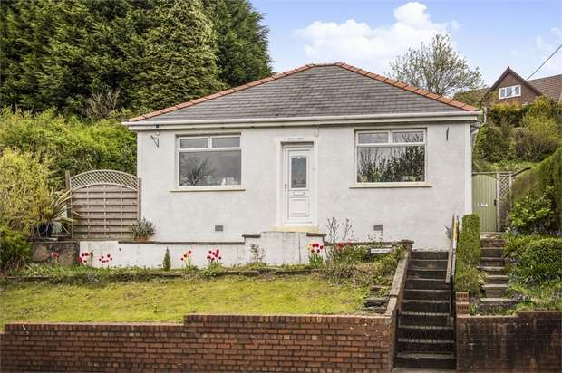 2 Bedrooms Detached Bungalow for sale in Beaufort Hill, Beaufort, Ebbw Vale, Blaenau Gwent