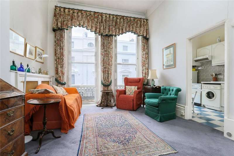 2 Bedrooms Flat for sale in Ovington Gardens, London, SW3