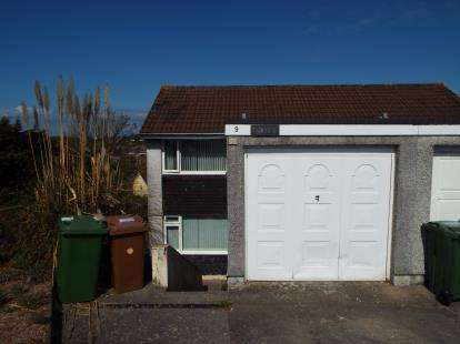 4 Bedrooms Semi Detached House for sale in Goosewell, Devon