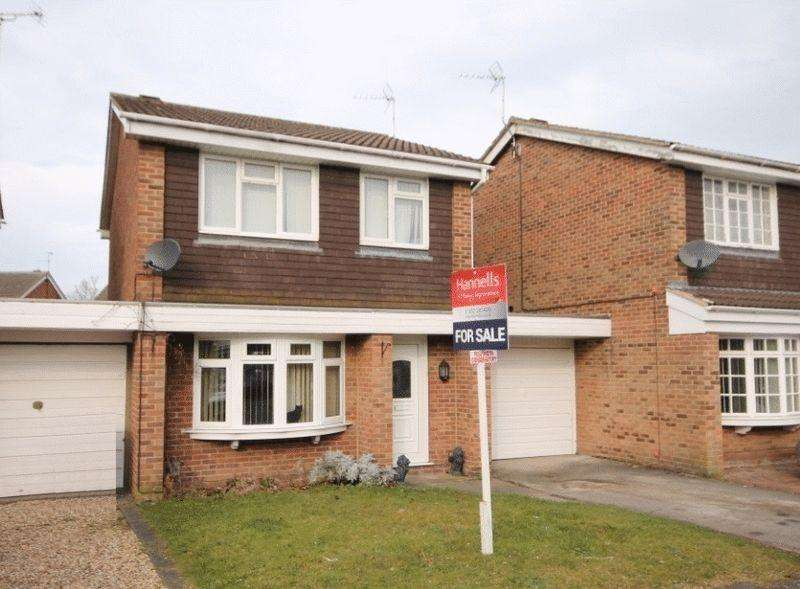 3 Bedrooms Detached House for sale in CHAPTER CLOSE, OAKWOOD
