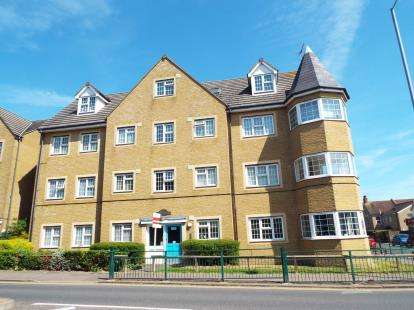 1 Bedroom Flat for sale in Southchurch Avenue, Southend-On-Sea, Essex