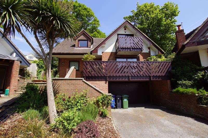 4 Bedrooms Detached House for sale in Courtenay Road, Lower Parkstone, Poole