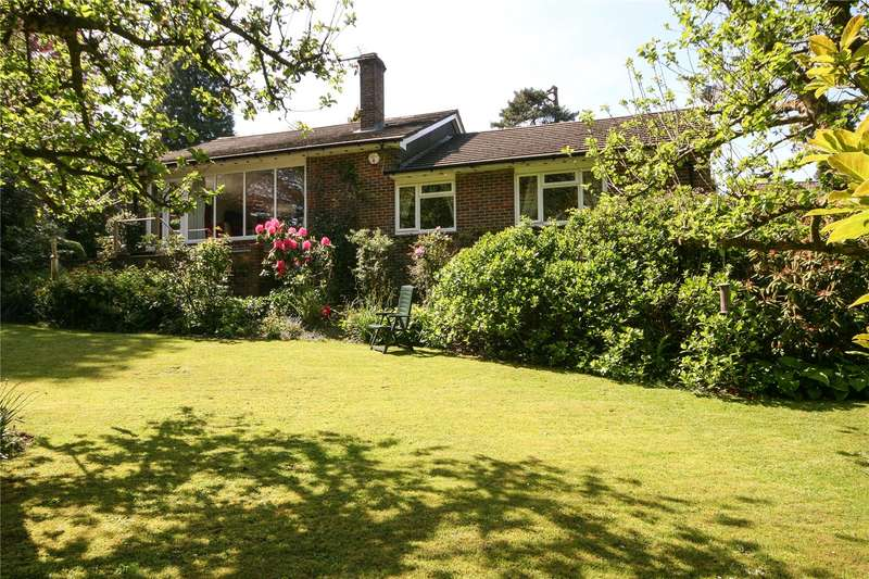 3 Bedrooms Detached Bungalow for sale in Hurtis Hill, Crowborough