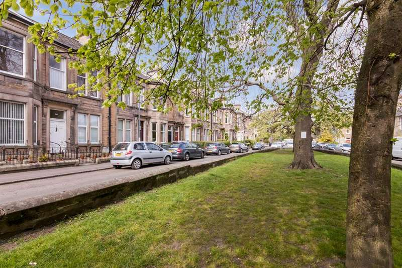 3 Bedrooms Flat for sale in 26 Rosslyn Crescent, Pilrig, EH6 5AX