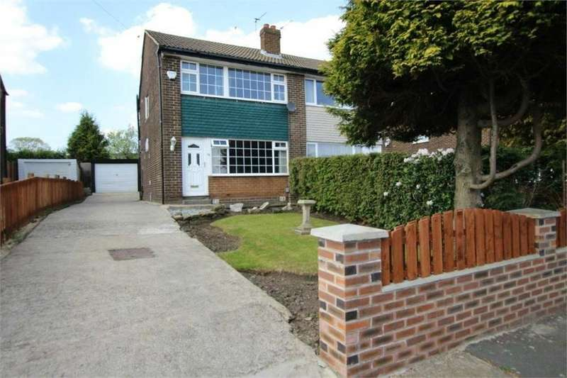 3 Bedrooms Semi Detached House for sale in Woodrow Drive, LOW MOOR, West Yorkshire