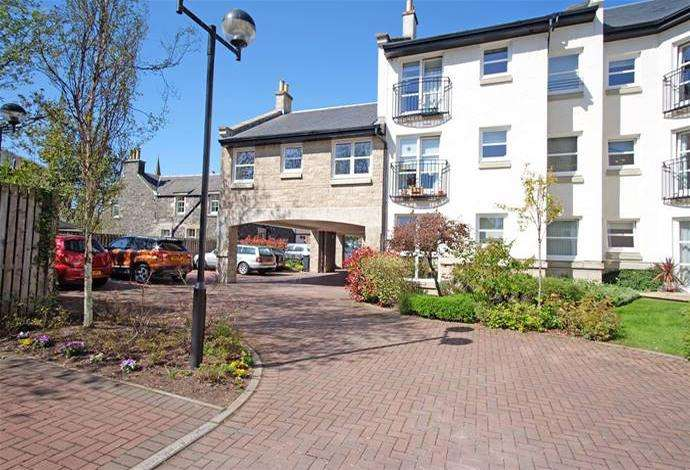 1 Bedroom Flat for sale in 14 Venlaw View Innerleithen Road, Peebles, EH45 8FB