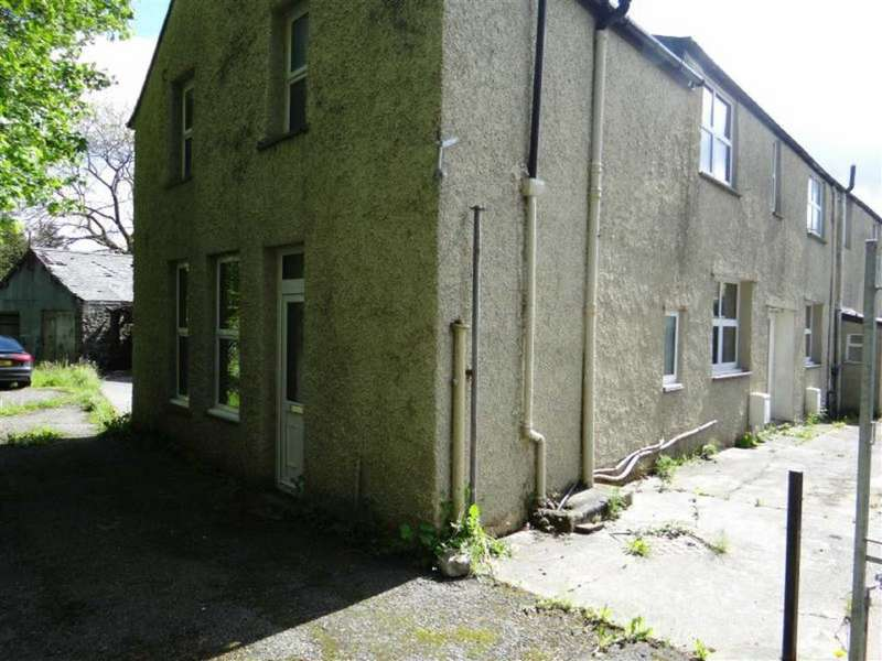 4 Bedrooms Semi Detached House for sale in Denbigh Street, Llanrwst, Conwy