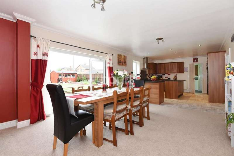 6 Bedrooms Detached House for sale in Wroxham Road, Norwich