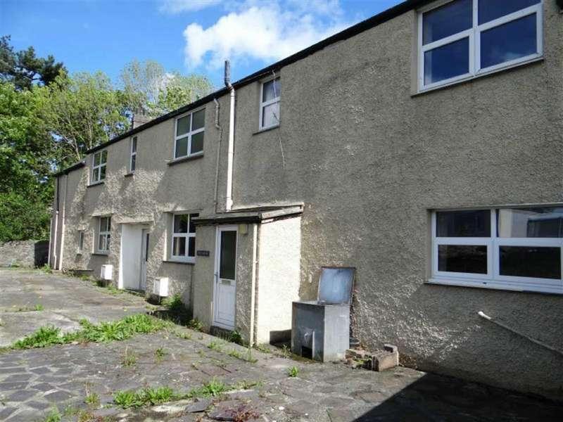 3 Bedrooms Semi Detached House for sale in Denbigh Street, Llanrwst, Conwy