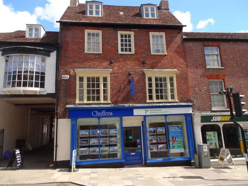 2 Bedrooms Flat for sale in Blandford Forum DT11