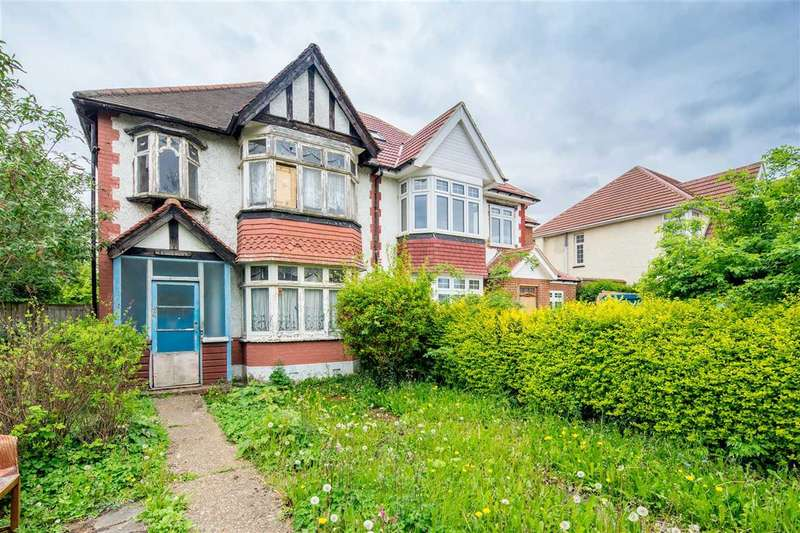 3 Bedrooms Semi Detached House for sale in Blenheim Gardens, Wembley