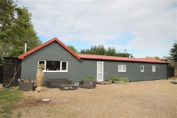 2 Bedrooms Bungalow for sale in Dairy Farm Meadow, Point Clear