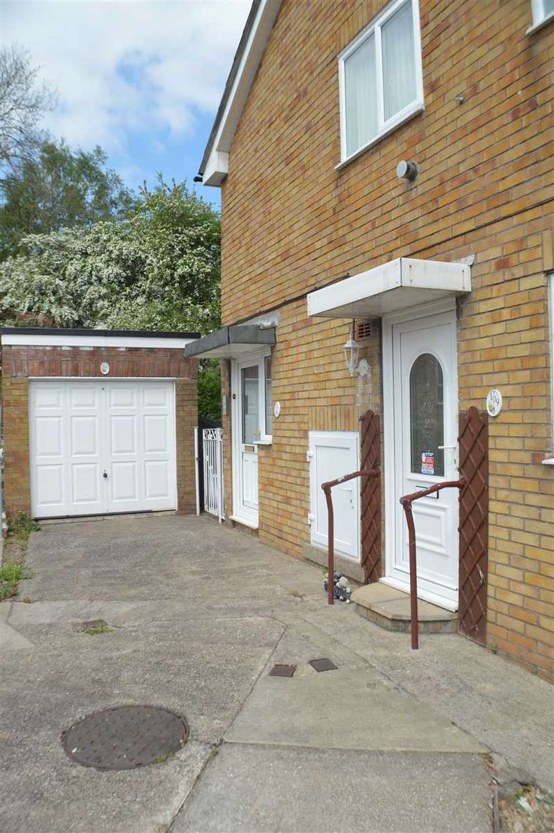 2 Bedrooms Apartment Flat for sale in Larch Grove, Malpas, Newport