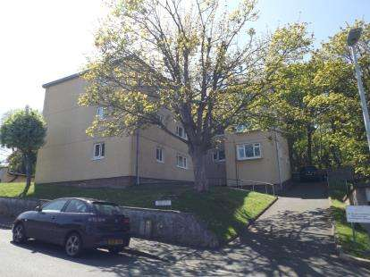 2 Bedrooms Flat for sale in Severn Road, Colwyn Bay, Conwy, LL29