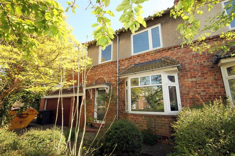 4 Bedrooms Semi Detached House for sale in Coda Avenue, Bishopthorpe, York, YO23 2SE