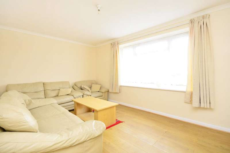 3 Bedrooms Flat for sale in Morris Gardens, Southfields, SW18