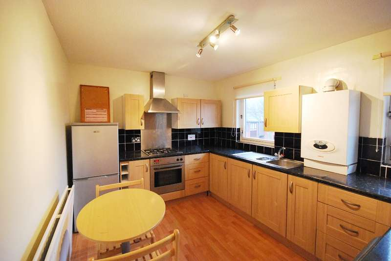 3 Bedrooms Flat for rent in Red Barns, Quayside