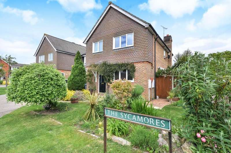 4 Bedrooms Semi Detached House for sale in The Sycamores Sayers Common West Sussex BN6