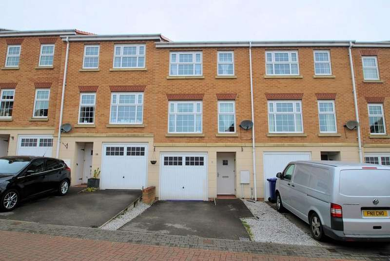 3 Bedrooms Town House for sale in Ashfield Close, Penistone, Sheffield