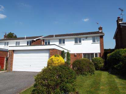 4 Bedrooms Detached House for sale in Marle Croft, Whitefield, Manchester, Greater Manchester