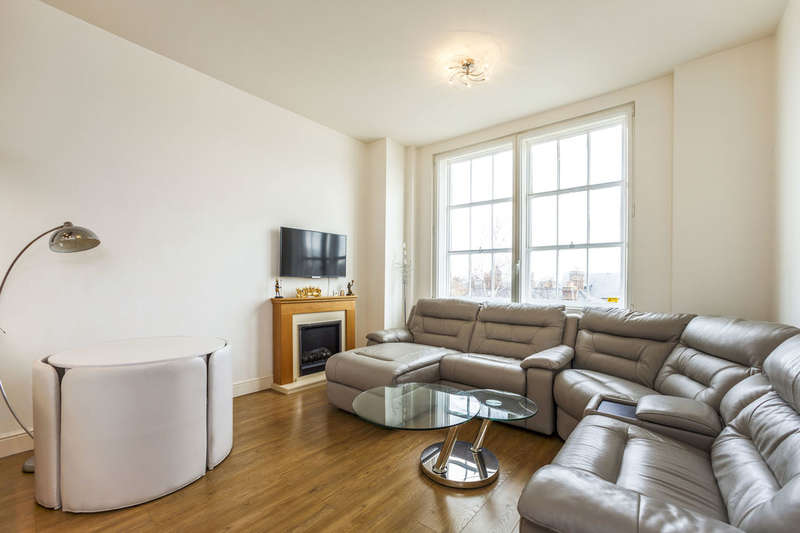 2 Bedrooms Flat for sale in Court Street, Faversham, ME13
