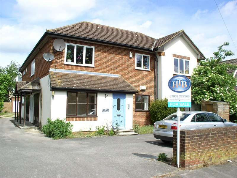1 Bedroom Property for sale in Field Common Lane, Walton-On-Thames