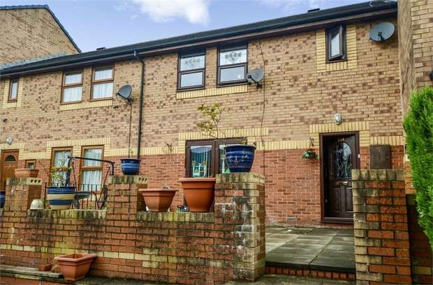 4 Bedrooms Terraced House for sale in London Road, Blackburn, Lancashire