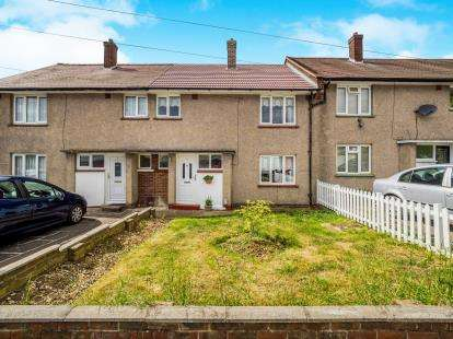 3 Bedrooms Terraced House for sale in Chadwell Heath, Marks Gate, United Kingdom