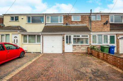 3 Bedrooms Terraced House for sale in Chalfont Avenue, Longford, Cannock, Staffordshire