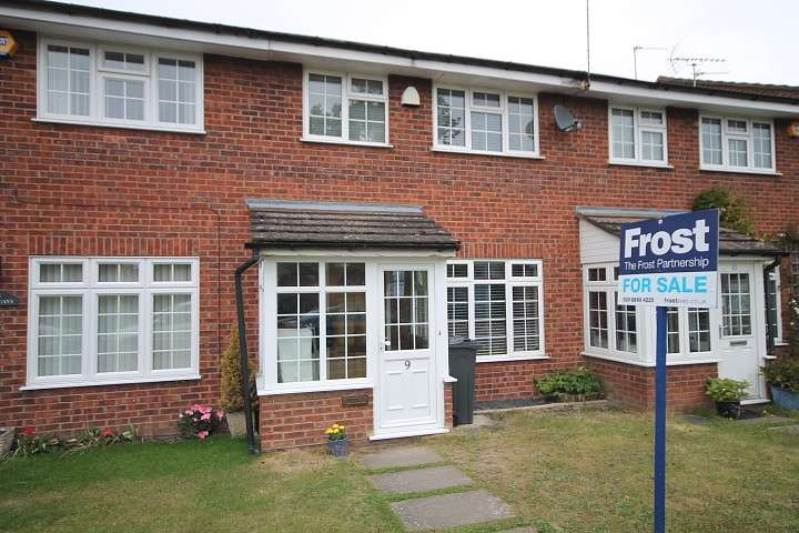 3 Bedrooms Terraced House for sale in Highland Park, Feltham, TW13