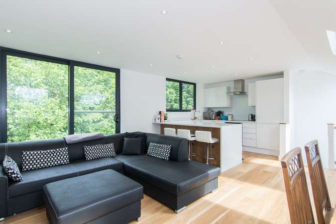3 Bedrooms Flat for sale in Merton Avenue, Chiswick