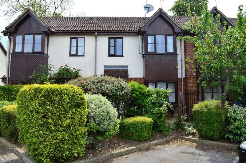 2 Bedrooms Terraced House for sale in Orchard Close, Wokingham, Berkshire, RG40 2EP