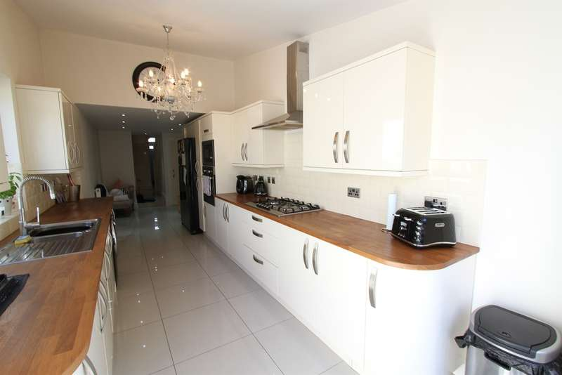 2 Bedrooms Terraced House for sale in Archibald Street, Newport