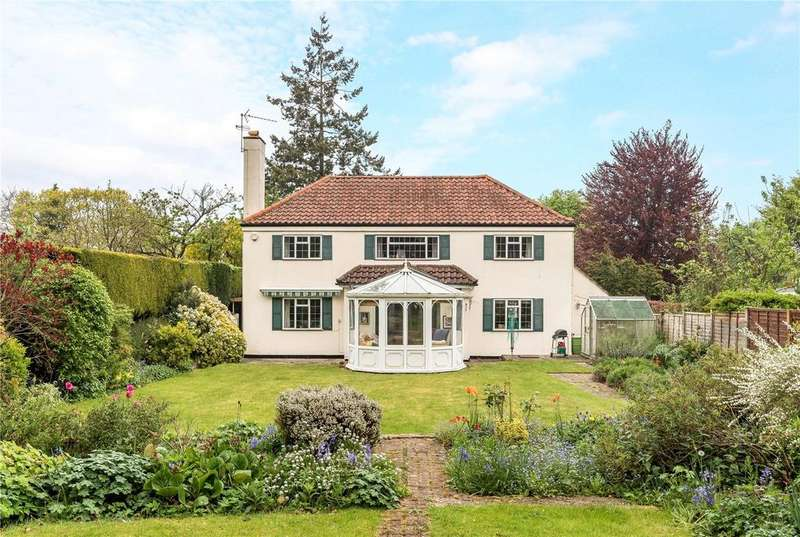4 Bedrooms Detached House for sale in Abbots Way, Guildford, Surrey, GU1