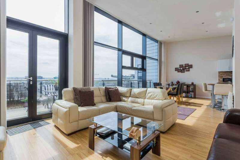 2 Bedrooms Penthouse Flat for sale in Stobcross Street, Finnieston, Glasgow, G3 8GJ