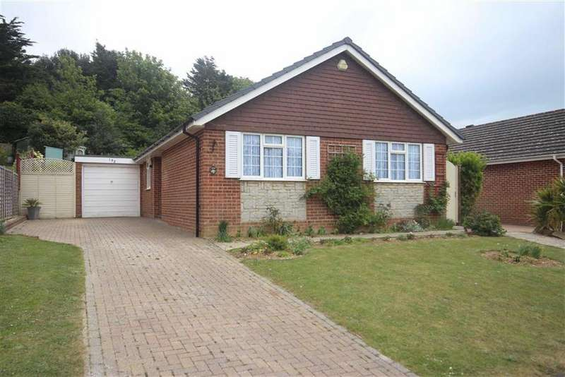 3 Bedrooms Detached Bungalow for sale in Princess Drive, Seaford